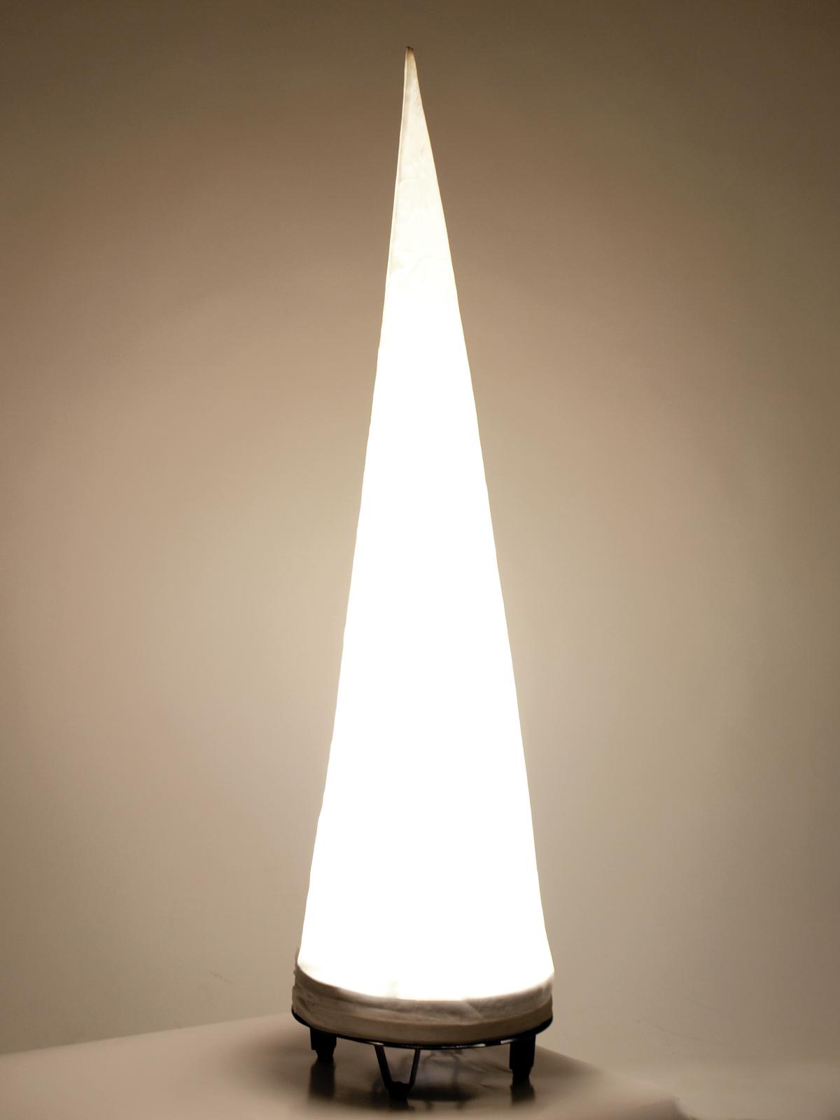 Lampada a cono decorativa 1 metro altezza 110W EUROLITE AC-100