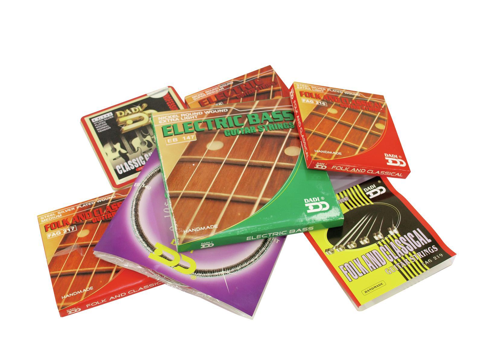 Set di corde per chitarra acustica 010-048 DIMAVERY