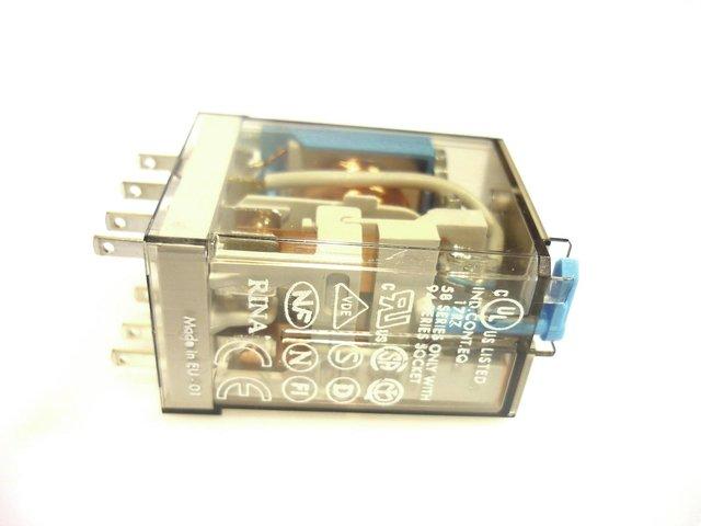 mpne1105703-relais-250v-10a-12v-MainBild