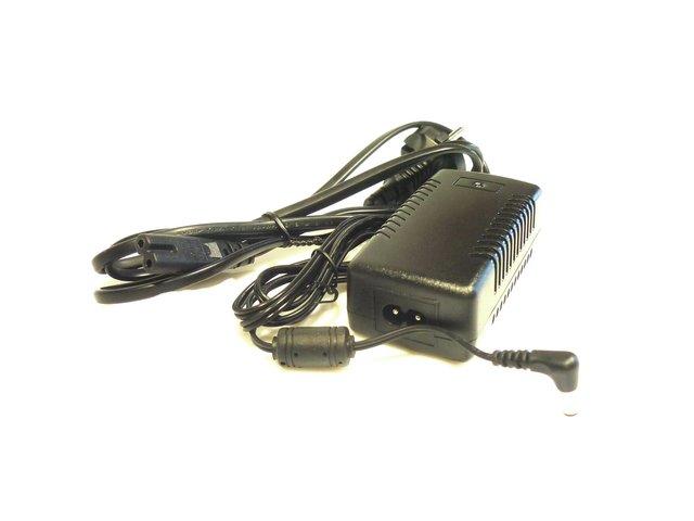 mpne6505721-netzteil-5v-5a-mit-adapter-strom-kabel-MainBild