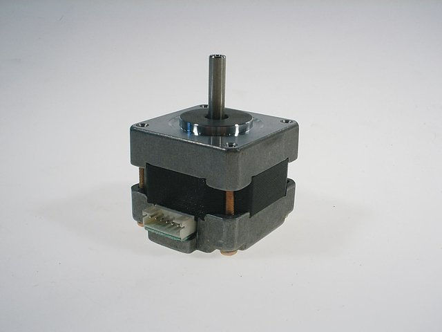 mpne3125649-futurelight-steppermotor-16hy0002-MainBild