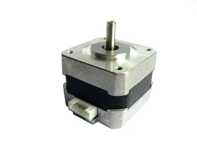mpne1130435-eurolite-steppermotor-42bygh022b2-37-MainBild