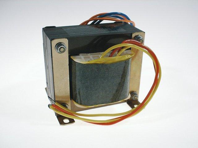 mpne3036420-trafo-24v-250w-fuer-d-28-lampe-MainBild