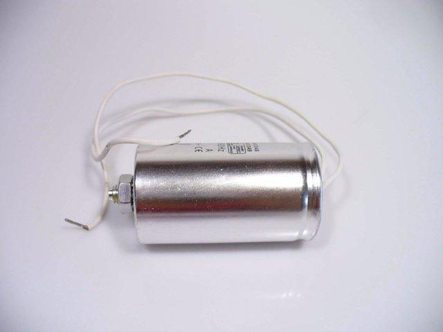 mpne3037853-kondensator-16f-250v-50-60hz-MainBild