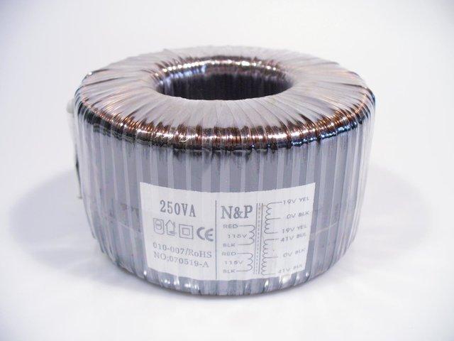 mpne0050864-ringkerntrafo-sec-19-0-19v-41-0-41v-250va-MainBild