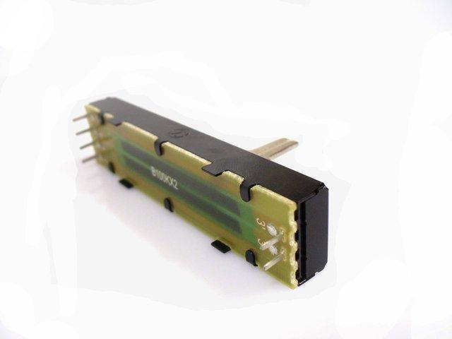mpne0054031-crossfader-100kbx2-45mm-emx-3-MainBild