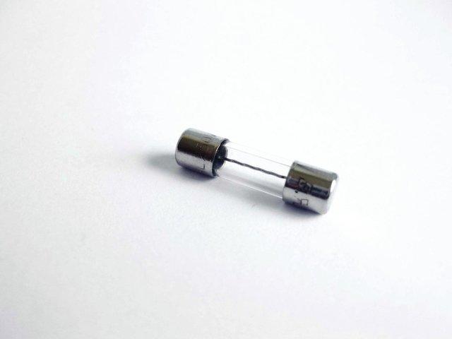 mpne0198442-feinsicherung-5x20mm-15a-MainBild