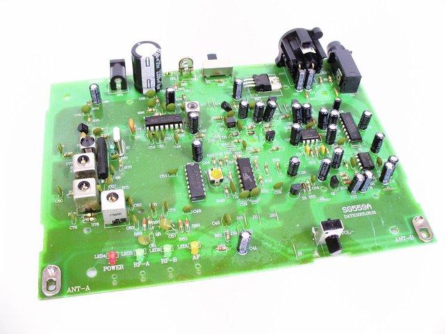 mpne0199018-platine-empfaenger-17900mhz-sg559b1-MainBild